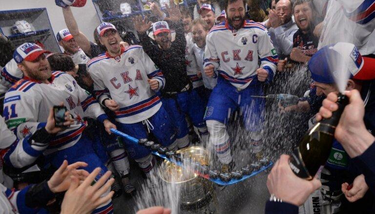 Как хоккеисты СКА отмечали завоевание долгожданного Кубка Гагарина (ВИДЕО)
