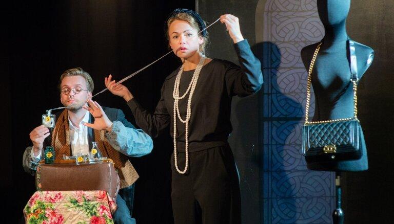 Foto: Rīgas Krievu teātrī tapis iestudējums par Koko Šaneles dzīvi