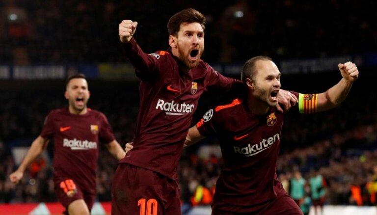 'Chelsea' un 'Barcelona' Eiropas grandu duelī cīnās neizšķirti; 'Bayern' grauj 'Bešiktaš'