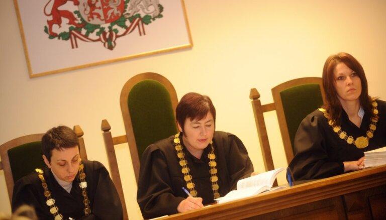 Arī trešā Munkevica lietas tiesnese pārkāpusi apspriedes noslēpumu, vēsta LTV