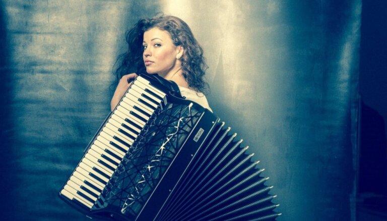 Notiks 'akordeona princeses' Ksenijas Sidorovas jubilejas koncerts