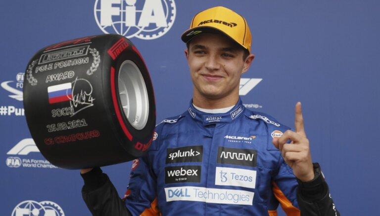 Noriss izcīna pirmo 'pole position' karjerā