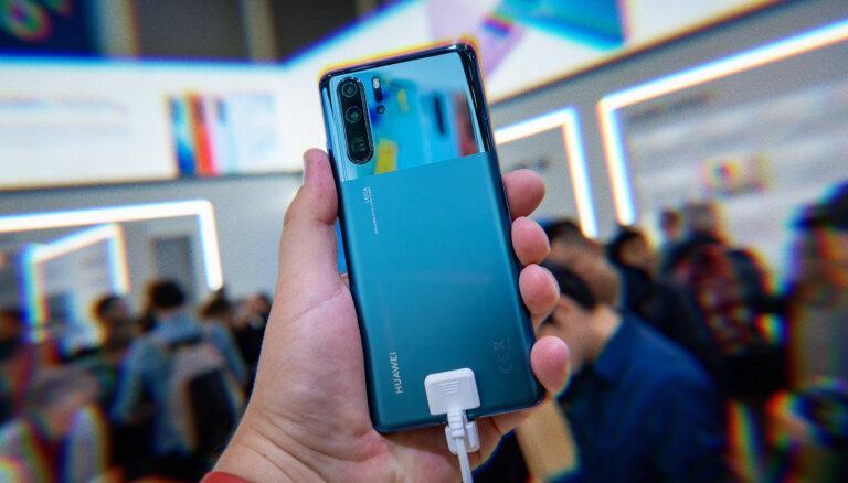 'Huawei' nerro tirdzniecības aizliegumu – vēlreiz prezentē flagmani P30