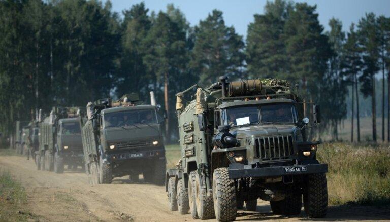 Promaskaviskajiem kaujiniekiem Donbasā ir Krievijā ražots bruņojums, atzīst EDSO