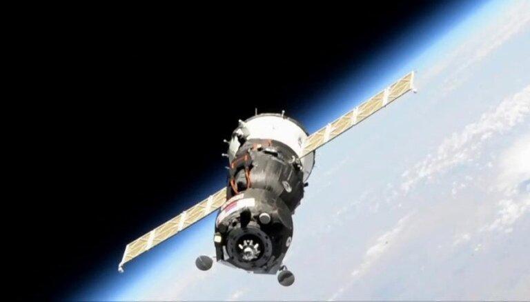 Krievijas kosmosa kuģim ar cilvēkveidīgo robotu neizdodas savienoties ar SKS