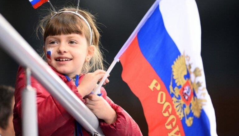 МВД: Россия использует заботу о памятниках и стипендии молодежи, чтобы работать против национальной безопасности Латвии