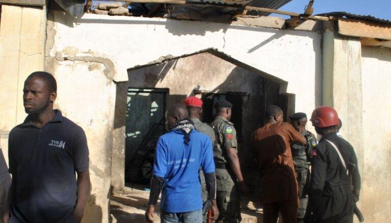 Sprādzienos Nigērijā nogalināti vismaz 30 cilvēki