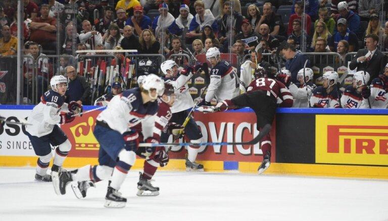 Сборная США одержала волевую победу над командой Латвии, отыгравшись с 1:3