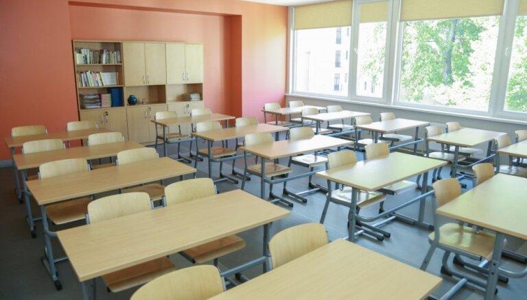 Norma par minimālo skolēnu skaitu vidusskolas klasēs neatbilst Satversmei