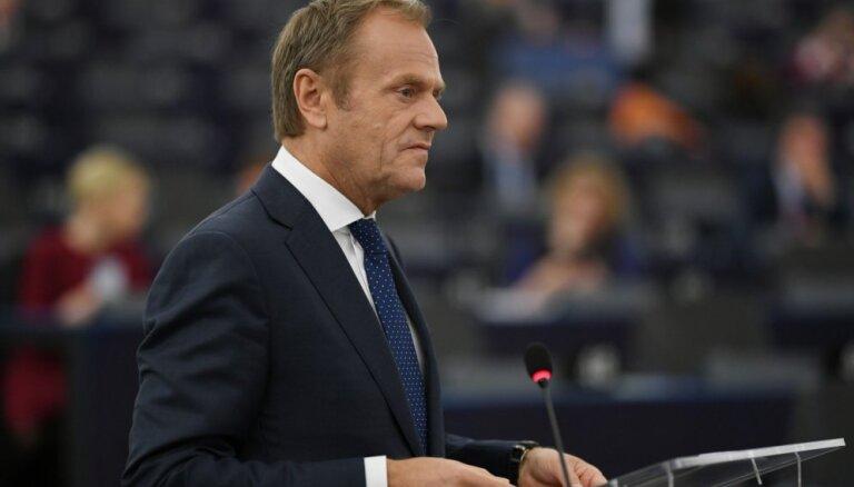 Tusks līdz jūnijam vēlas aizpildīt ES vadošos amatus