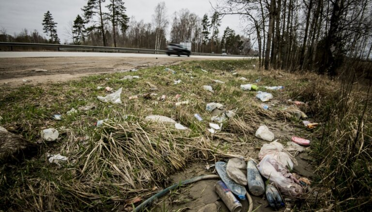 Piemēsloto ceļmalu sakopšana prasa vairāk nekā pusmiljonu eiro