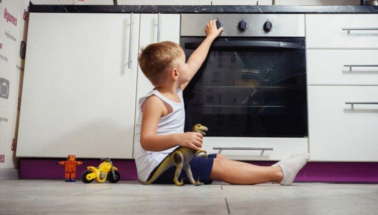 Kā pirkstu nospiedumi bērnu var pasargāt no karstām ierīcēm