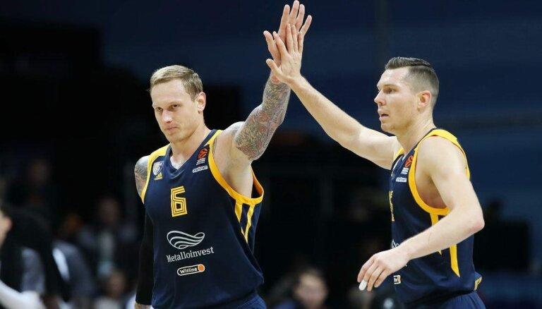 Latvijas basketbola izlasei palīgā steigs Timma un Bertāns