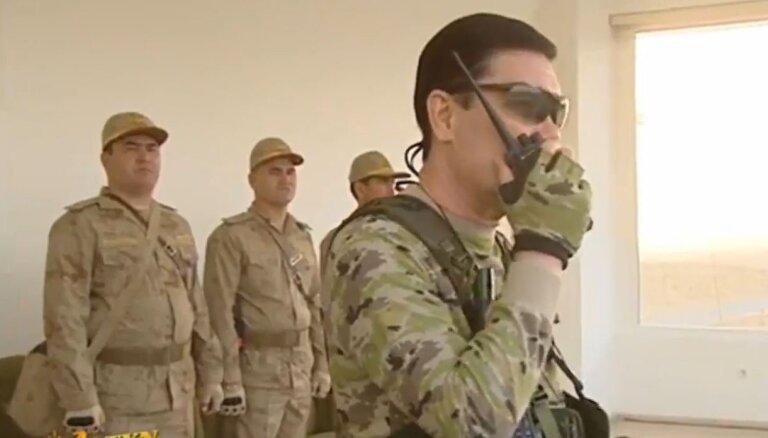 Turkmenistānā vidusskolas beidzējus notver uzreiz pēc eksāmeniem un sūta armijā
