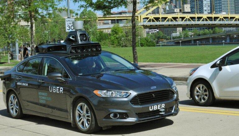 'Uber' akciju biržas debijā plāno sasniegt 90 miljardu dolāru tirgus vērtību