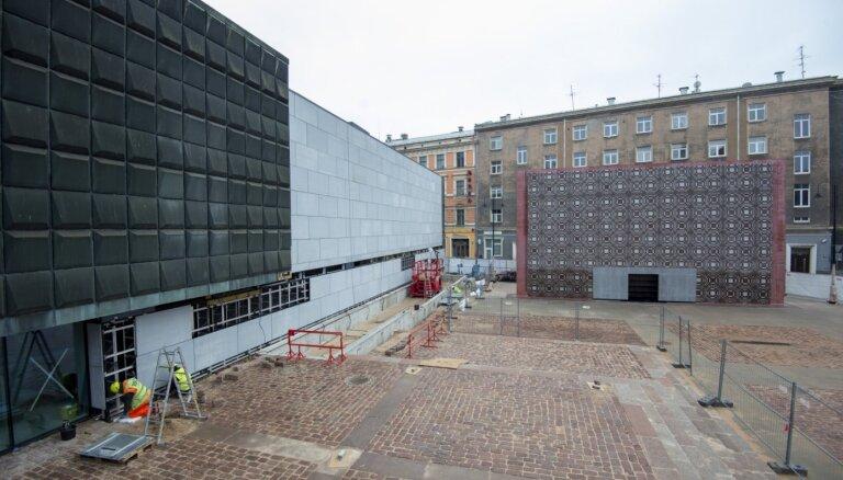 Foto: Okupācijas muzejs ieguvis jaunu ārējo veidolu