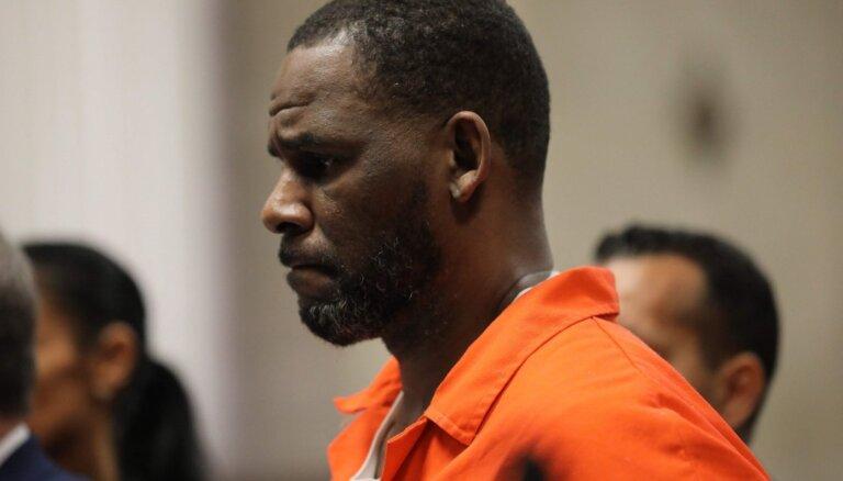 Pedofilijā apsūdzētajam R.Kellijam draud vairākas desmitgades cietumā