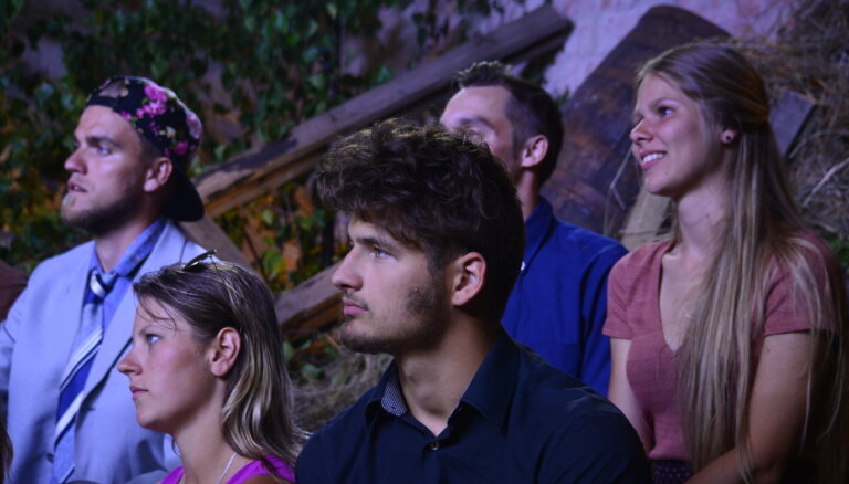 Īsi pirms fināla 'Lauku sētu' pamet uzreiz divi dalībnieki – Armands un Līga