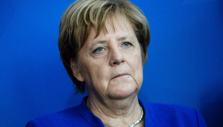 Меркель потребовала от Эрдогана немедленно прекратить операцию в Сирии