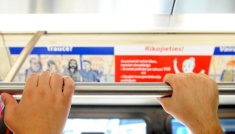В Риге возобновляются льготы на проезд в общественном транспорте: для кого и на какое время