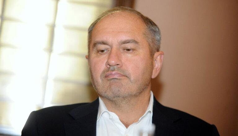 Gerhards pieļauj līguma laušanu ar 'Skonto Būve' par gudrona dīķu sanāciju