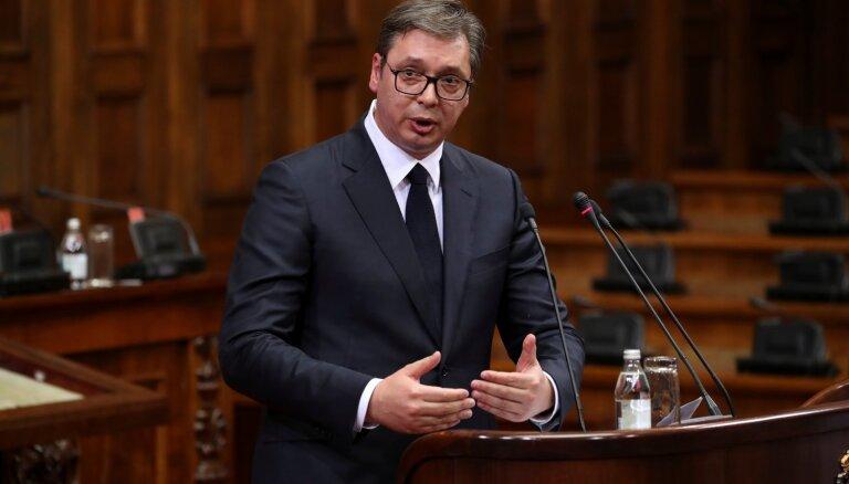 Serbijai jāpieņem Kosovas zaudēšana, norāda Vučičs