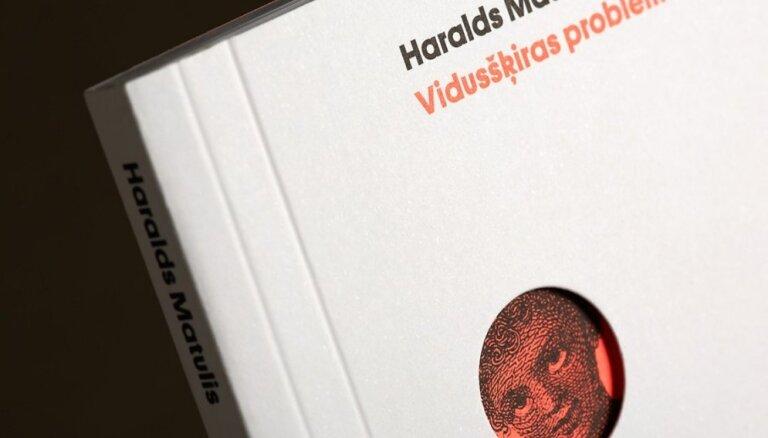Haralds Matulis debitē prozā ar 'Vidusšķiras problēmām'