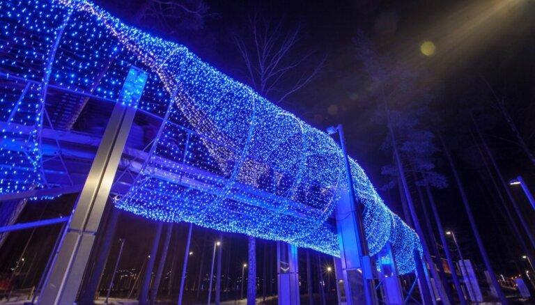 ФОТО: В Юрмале снова открылся парк световых скульптур