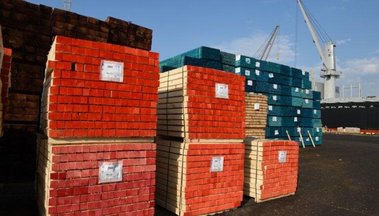 В Рижском порту значительно увеличился объем переваленных лесоматериалов