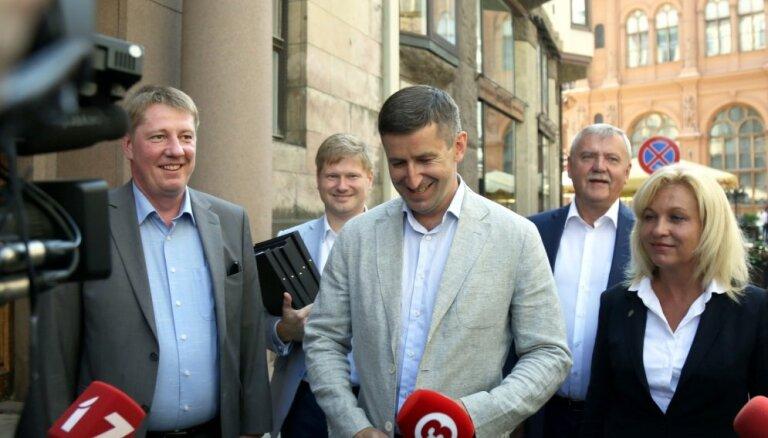 """Сумма предвыборных расходов """"Согласия"""" и СЗК превысила 300 000 евро"""