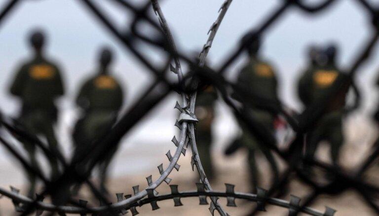 Pēc ASV-Meksikas robežas šķērsošanas bojā gājusi septiņus gadus veca meitene