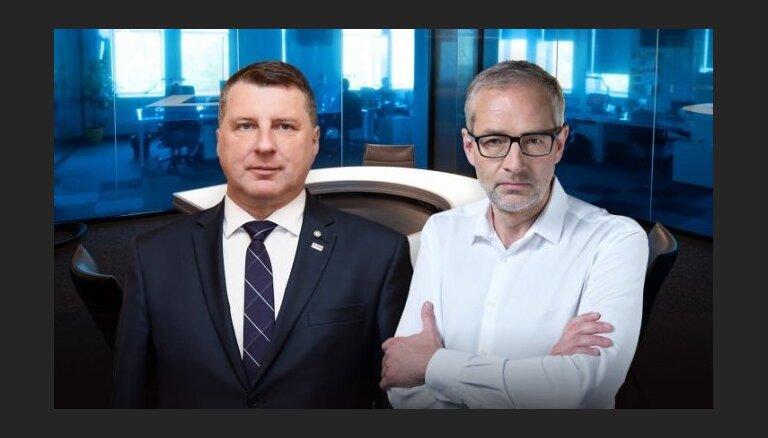 Delfi TV с Янисом Домбурсом: 30 августа в студии президент Латвии Раймондс Вейонис
