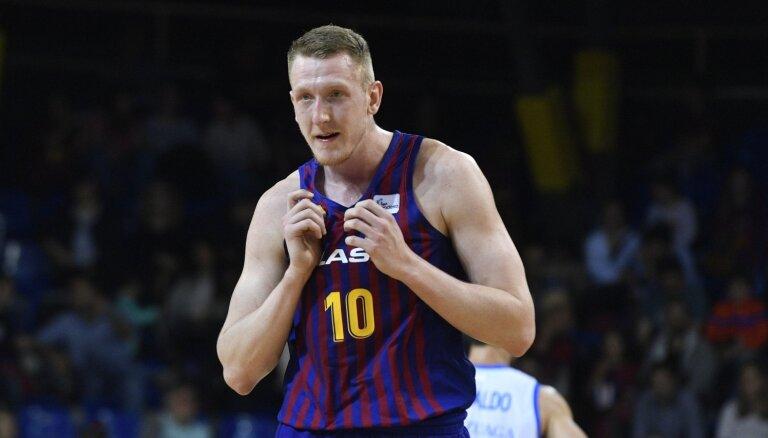 Šmitam seši punkti 'Barcelona' uzvarā Atēnās