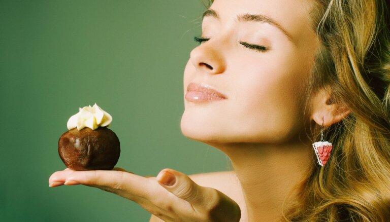 Izdzīvošanas instinkts vai pieradums – kāpēc kārojas saldumi