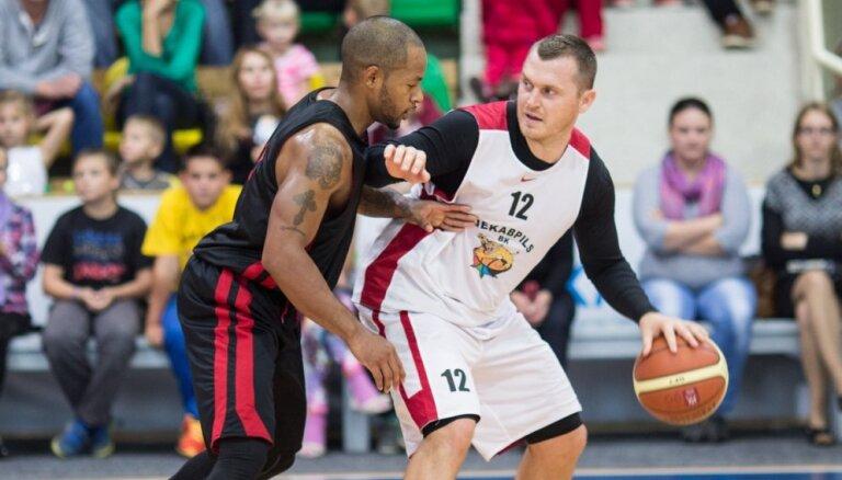 """BK 'Jēkabpils' debijas mačā uzvar Lietuvas komandu """"Juventus"""""""