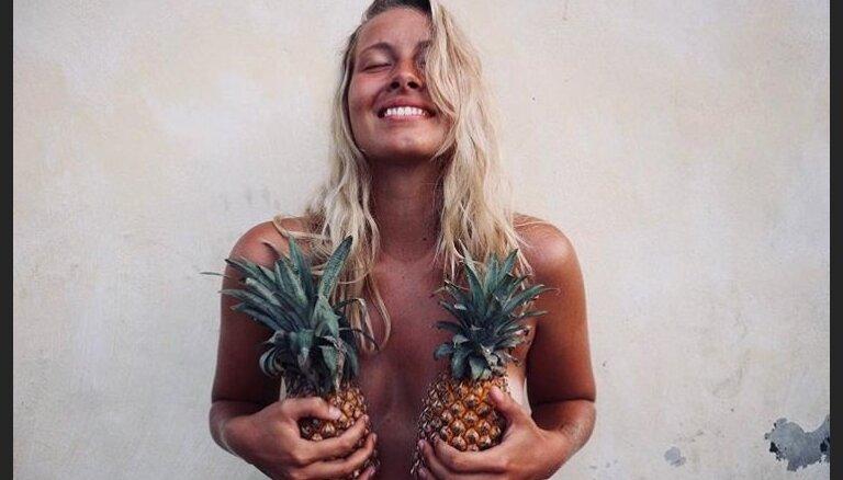"""ФОТО. Женщины запустили в соцсетях новый тренд — """"фруктовые снимки"""""""