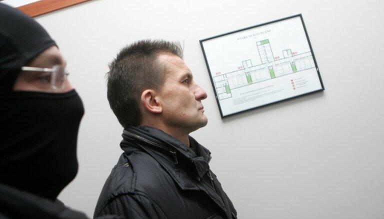Tiesa septembra beigās turpinās pratināt liecinieku kukuļdošanā apsūdzētā Vaškeviča krimināllietā