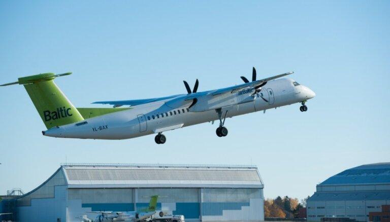 NATO iznīcinātāja raķetes izšaušanas laikā uz Tallinu lidojis 'airBaltic' reiss, ziņo raidījums
