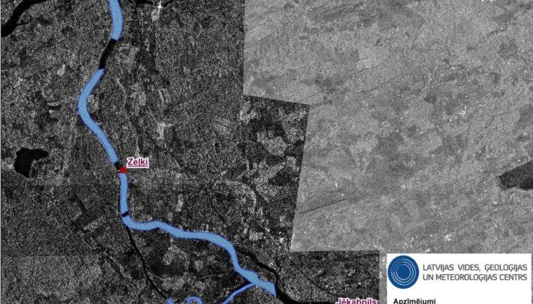 Satelīta foto: Ledus sablīvējumi stiepjas no Daugavpils līdz Pļaviņām