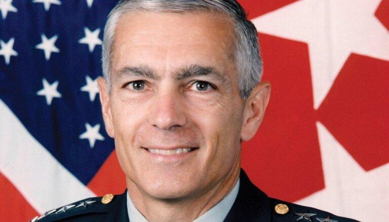 Mediji: ASV ģenerālis, kurš vadījis militāro operāciju pret Dienvidslāviju, vēlas iegūt ogles Kosovā