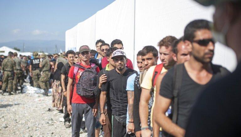 Вице-президент ЕЦБ: мигранты — это средство от самоубийства Европы