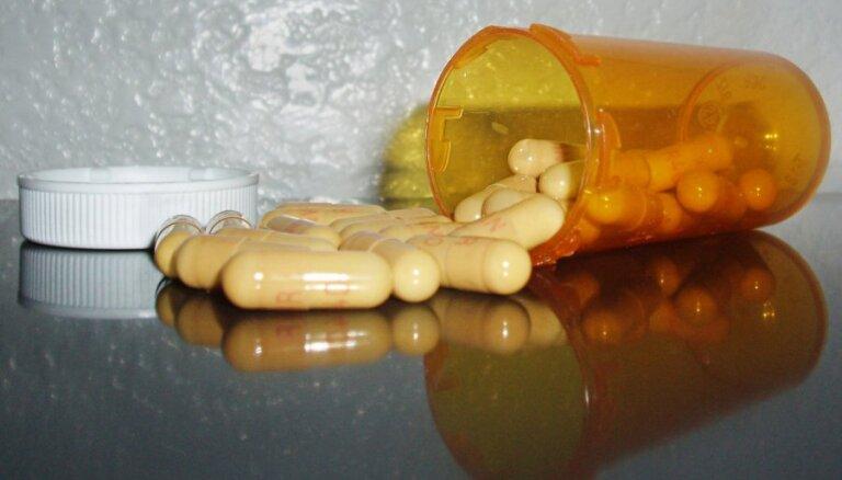 Aizvadītajā diennaktī divi bērni saindējušies ar medikamentiem