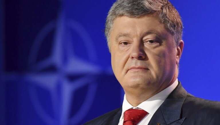 Porošenko nebiedē Putina un Trampa samits; NATO aicina Krieviju izvest karaspēku no Ukrainas