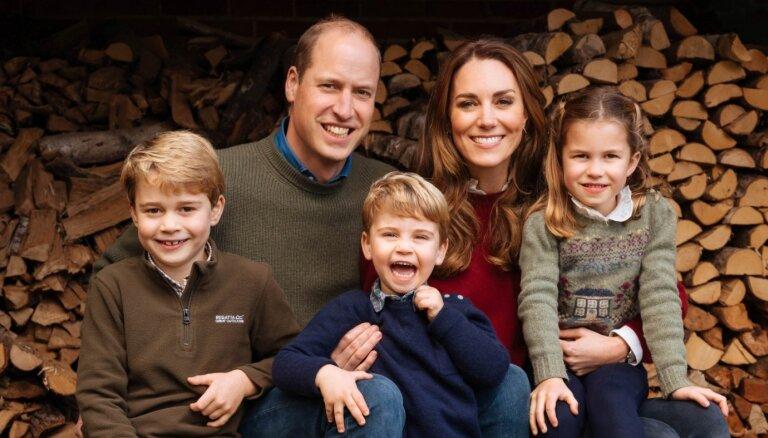 Герцоги Кембриджские поделились трогательным семейным видео