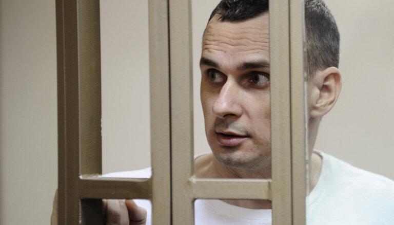 МИД Латвии вновь потребовал у России освободить украинского режиссера Сенцова