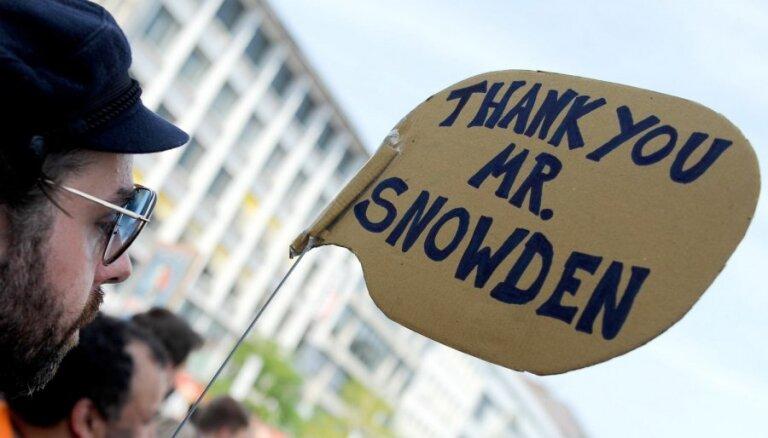 """Британская разведка обвинила Сноудена в пособничестве """"Аль-Каиде"""""""