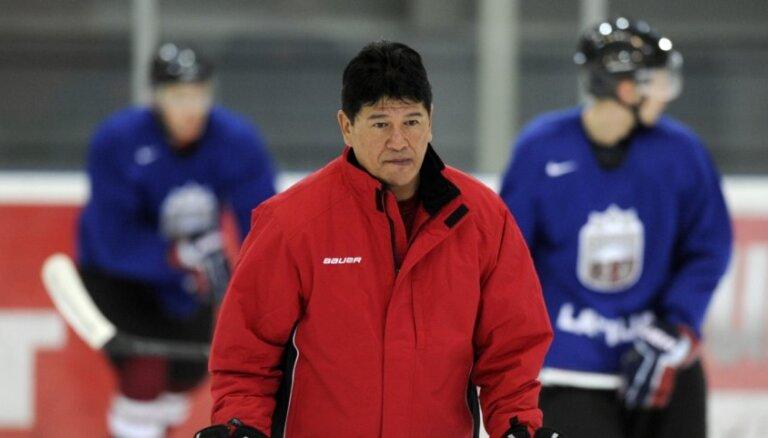 Latvijas izlases pirmajā oficiālajā treniņā piedalās 22 hokejisti