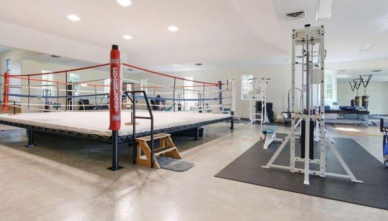 ФОТО. На продажу выставлен дом Мохаммеда Али с самым настоящим боксерским рингом