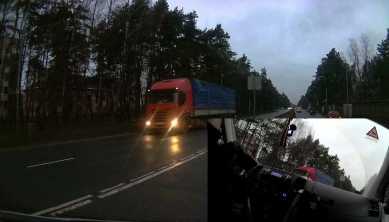 Policija Rīgā aiztur iereibušu kravas auto vadītāju
