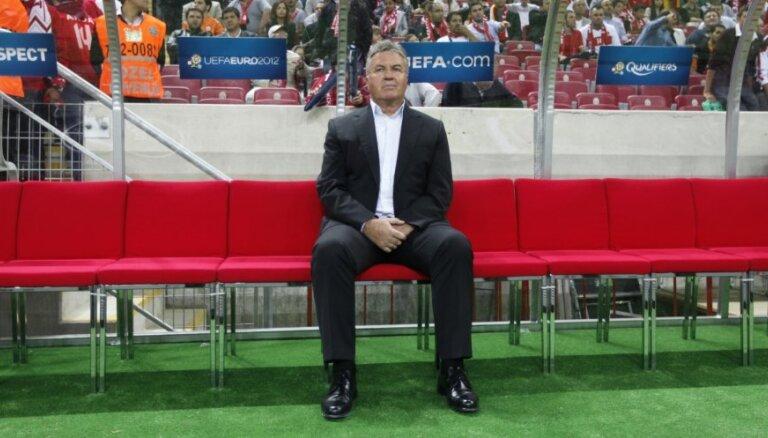 """В """"Анжи"""" Хиддинк стал вторым тренером в мире по заработкам"""